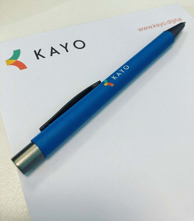 Look at what arrived today... 👀 Some shiny new Kayo notepads and pens! 📝 Make sure you're at next week's event (#KayoHow) to get your hands on them! 😁 . . #marketing #promotionalproducts #branded #brandedpens #promotionalpens #promotionalgifts #corporategifts #merchandise #notepad #kentbusiness #agencylife #officeessentials #officegoals #networkevent
