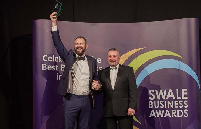 Alexa! Show me a picture of the Sittingbourne Business of the Year...🏆🤩 . . #swalebusinessawards #sba2019 #kentbusiness #sittingbourne #sittingbournebusiness #webagency #awards #awardsnight